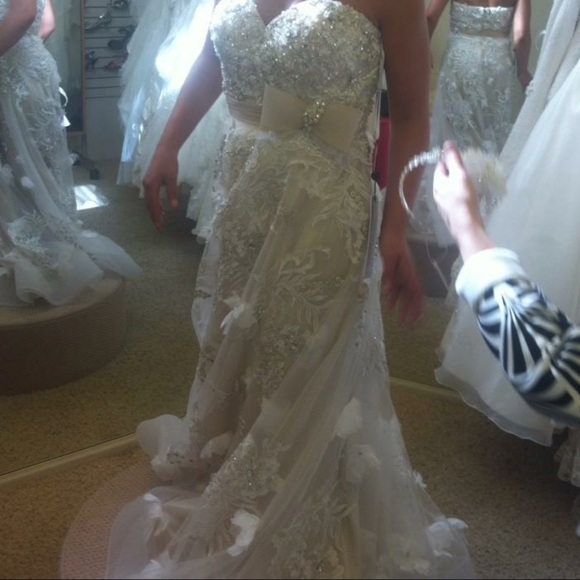 Jovani Dresses & Skirts - Size 8 jovani wedding dress with head piece